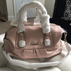 ✨NEW✨Coach NWT! RARE Ashley Blush Pink Leather Bag